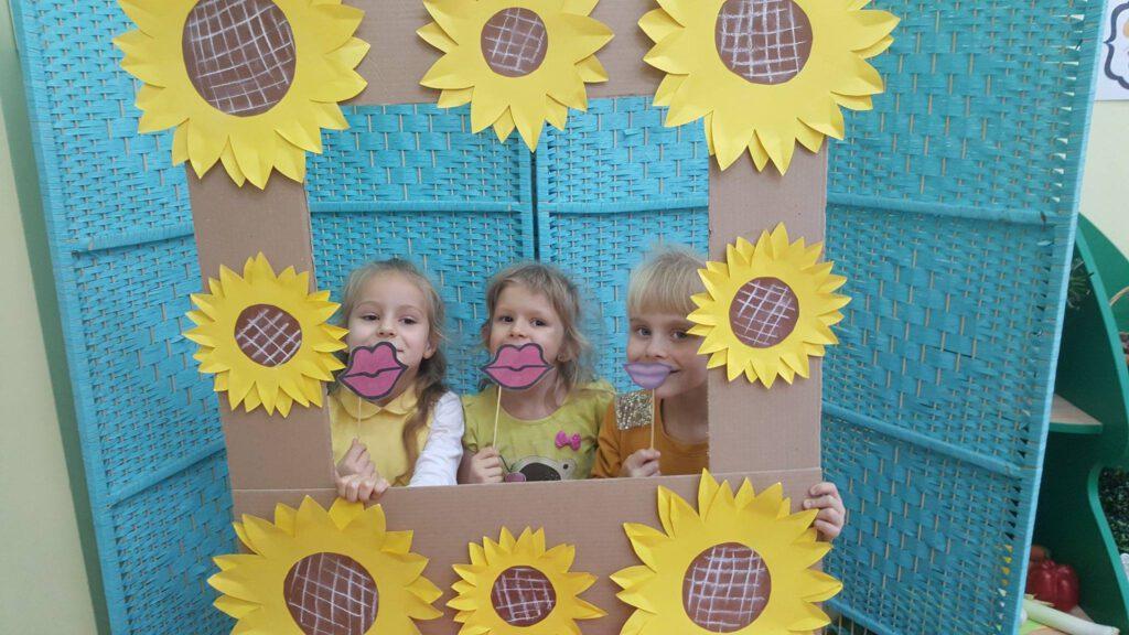 trzy dziewczynki